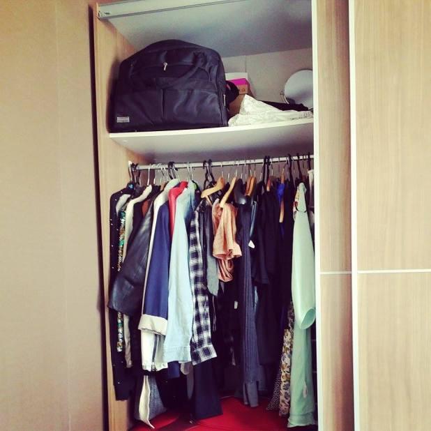Een exclusief kijkje in mijn (zeer bescheiden) kledingkast.
