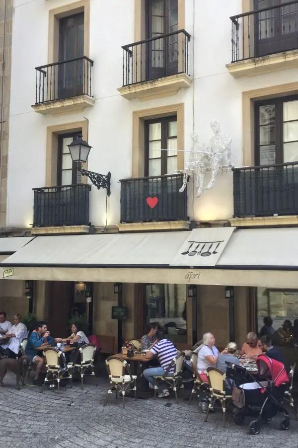 Catchin' some love - Atari in San Sebastián
