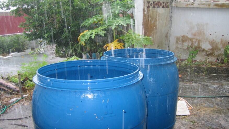 Recoger el agua de lluvia - Recoger agua lluvia ...