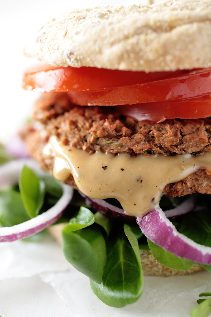 Beetroot and Chickpea Burger • Green Evi