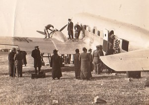 Loading a DC-2, probably at Chengdu, 1936