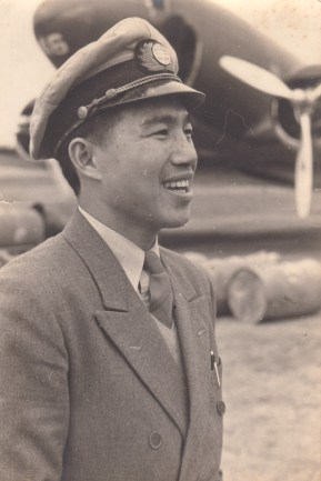Moon Chin in 1941, in front of CNAC DC-3 #46