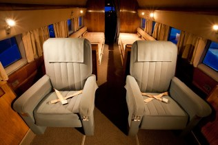 HFF DC-3 Pair of Seats - Credit to Jeremy Dwyer-Lindgren - 800