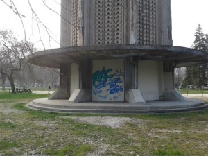 1100 € la poubelle 'verte' mais rien pour nettoyer la tour Perret