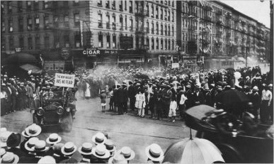 A 1924 parade by the Universal Negro Improvement Association on Lenox Avenue, Harlem (Schomburg Center for Research in Black Culture, New York Public Library. 1924)