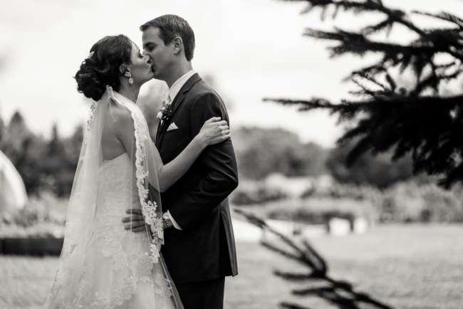 winvian-farm-wedding-morris-ct-photography-allyson-david-photos-greyhousestudios-featured-024