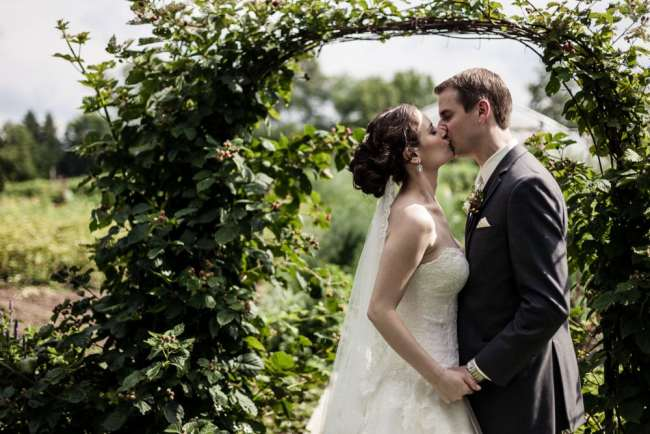 winvian-farm-wedding-morris-ct-photography-allyson-david-photos-greyhousestudios-featured-030