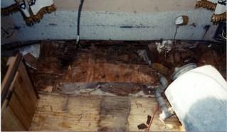 rot front floor 01