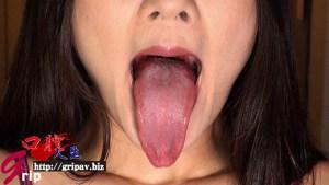 唾液・痰・聖水トリプル体液責め 大長舌痴女の体液づくし顔舐め接吻/咲羽優衣香