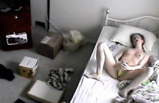 【流出映像】妹の部屋を盗撮したら一日中オナニーしてんだけど・・・ ※無修正