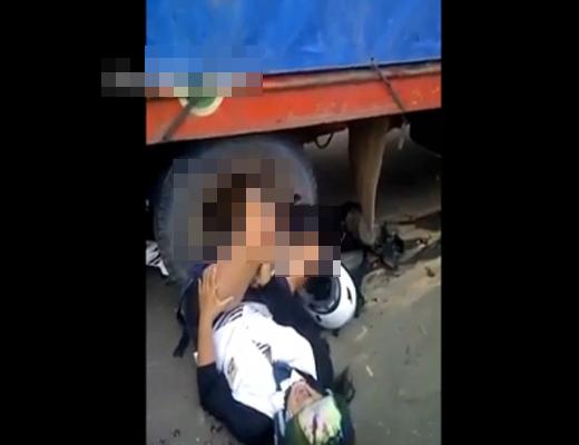 【超閲覧注意】トラックに轢かれた女子高生の叫び声がヤバ過ぎる・・・ ※動画有り