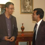 Nalaka Gunawardene (left) and President Mohamed Nasheed in Male, Aug 2009