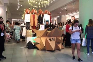 mesa-dj-booth-cardboard-cartonlab-vfn-hm-2-590x347