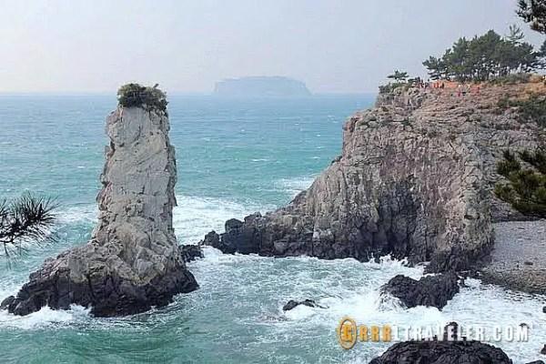 Odoelgae Rock jeju, Jusangjeolli Cliffs at Jeju, jeju island sightseeing, what to do in jeju island, what to see in jeju