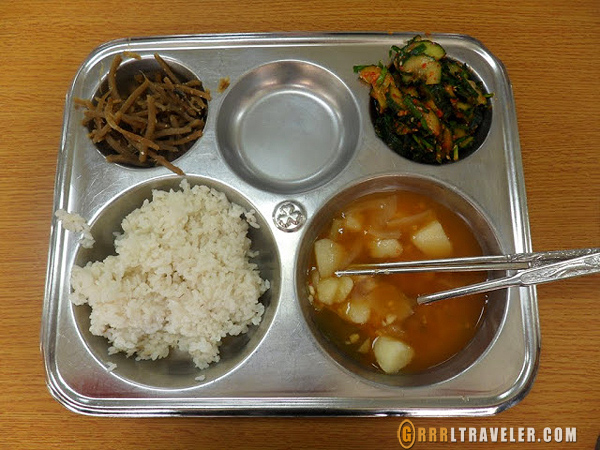 korean school lunches, teaching in EPIK Korea, teaching in Korean schools, teaching in Korea, Korean public school