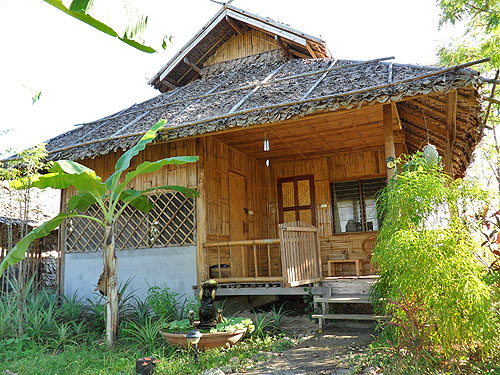 resort bungalow in pai