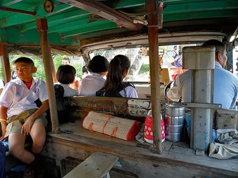 Thai-songtheiw