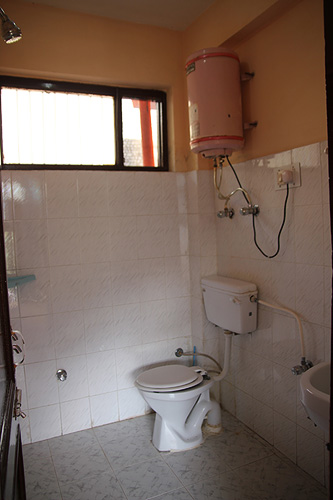 The Sidarth House mcleodganj, guesthouses in mcleodganj dharamsala, places to stay in mcleodganj, toilets in mcleodganj
