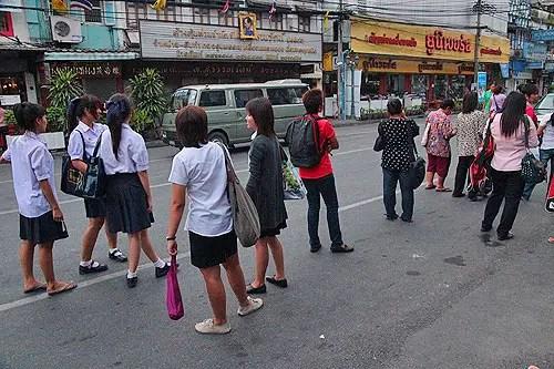 bus waiting thai