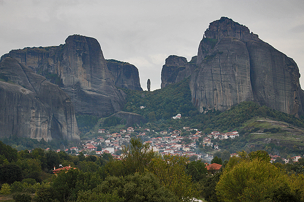 kalampaka meteora, where to stay in meteora, meteora travel guide