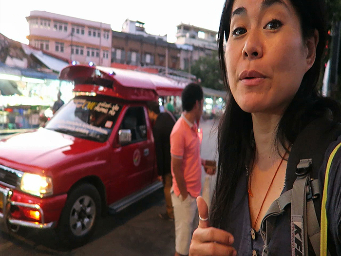 Songtheuws, Transportation in Bangkok, Getting around in Bangkok, Guide to Traveling in Thailand, guide to travelling in thailand, thailand transportation