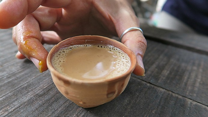 India Chai in kolkata, top kolkata street foods, indian chai, top things to eat in india, top things to eat in kokata