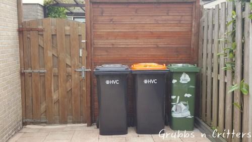 trubbish_bins_black_orange_green
