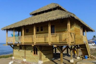 Casas campo bugalows turisticos hecho de madera peru - Casetas de campo ...