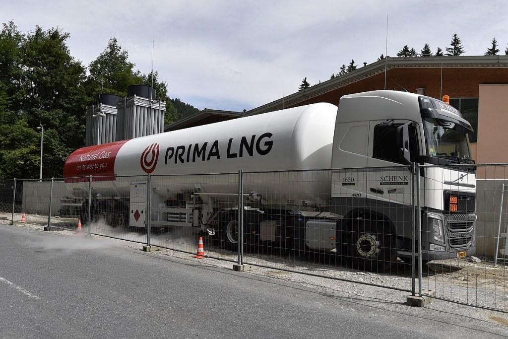 Das verflüssigte Erdgas kommt bequem per LKW zum Unternehmen. Auch die Wartung wird von Primagaz übernommen.
