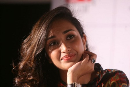 Bollywood actress Jiah Khan commits suicide