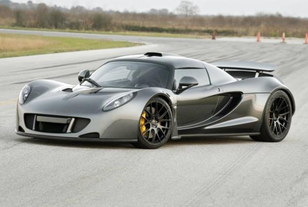 Hennessey Venom GT: At 270 mph Sets New Speed Record