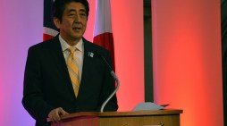 Shinzo Abe Pledges 3 Years Aid of $2.8 Billion to End Refugee Crisis