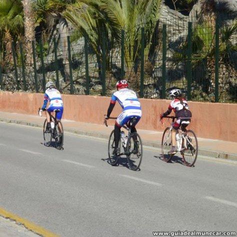 Bicicleta en Familia por el Paseo Marítimo de Almuñécar