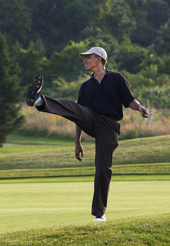 Obama-golf-body-english