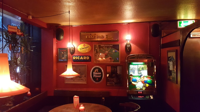 andys-bar-roede-rum