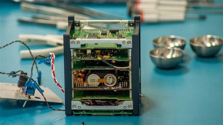uae-nano-satellite