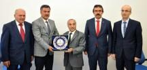 """GÜMÜŞHANE MİLLİ EĞİTİM DEĞERLENDİRME TOPLANTISINDA """"VİZYON BELGESİ"""" KONUŞULDU"""