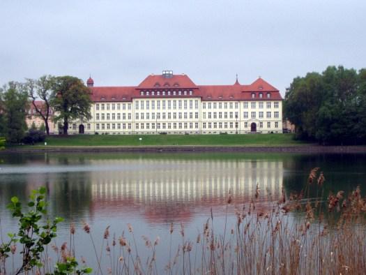 Das Gymnasium Carolinum am Glambecker See - Was für 'ne Schule!