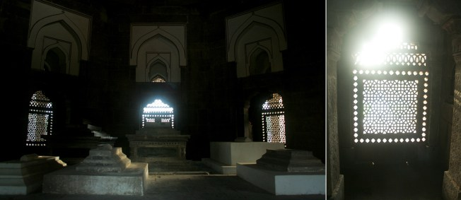 Cenotaphs inside the Isa Khan Niyazi's Tomb
