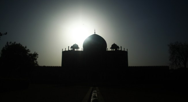 Sunrise at Humayun's Tomb, Delhi