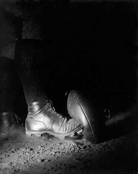 Harold Edgerton. Football kick – Wesley E. Fesler.