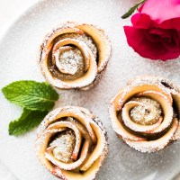 Puff Pastry Nutella Apple Roses