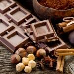 チョコをただ食べるだけではバストアップできない!効果的な摂取方法は?