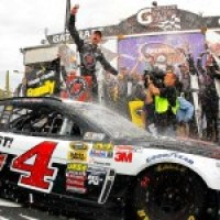 Kevin Wins #24! 2014 NASCAR Cup Race at Phoenix!
