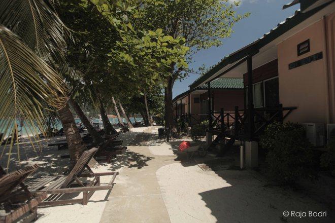 Tuna Bay Island Resort beach front view