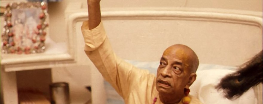 Srila-Prabhupada-Preaching-Pointing-Up (1)