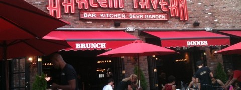A crowd descends on Harlem Tavern opening night
