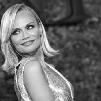 "HW Pick: The MOMS Introduce A MAMARAZZI® Event With ""Favorite New Yorker"" Kristin Chenoweth"