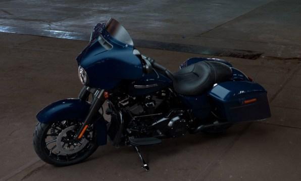 Motocykel Harley-Davidson touring Street Glide Special 114 farba Billiard Blue