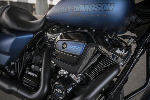 Motocykel Harley-Davidson Street Gide Special 115 výročie